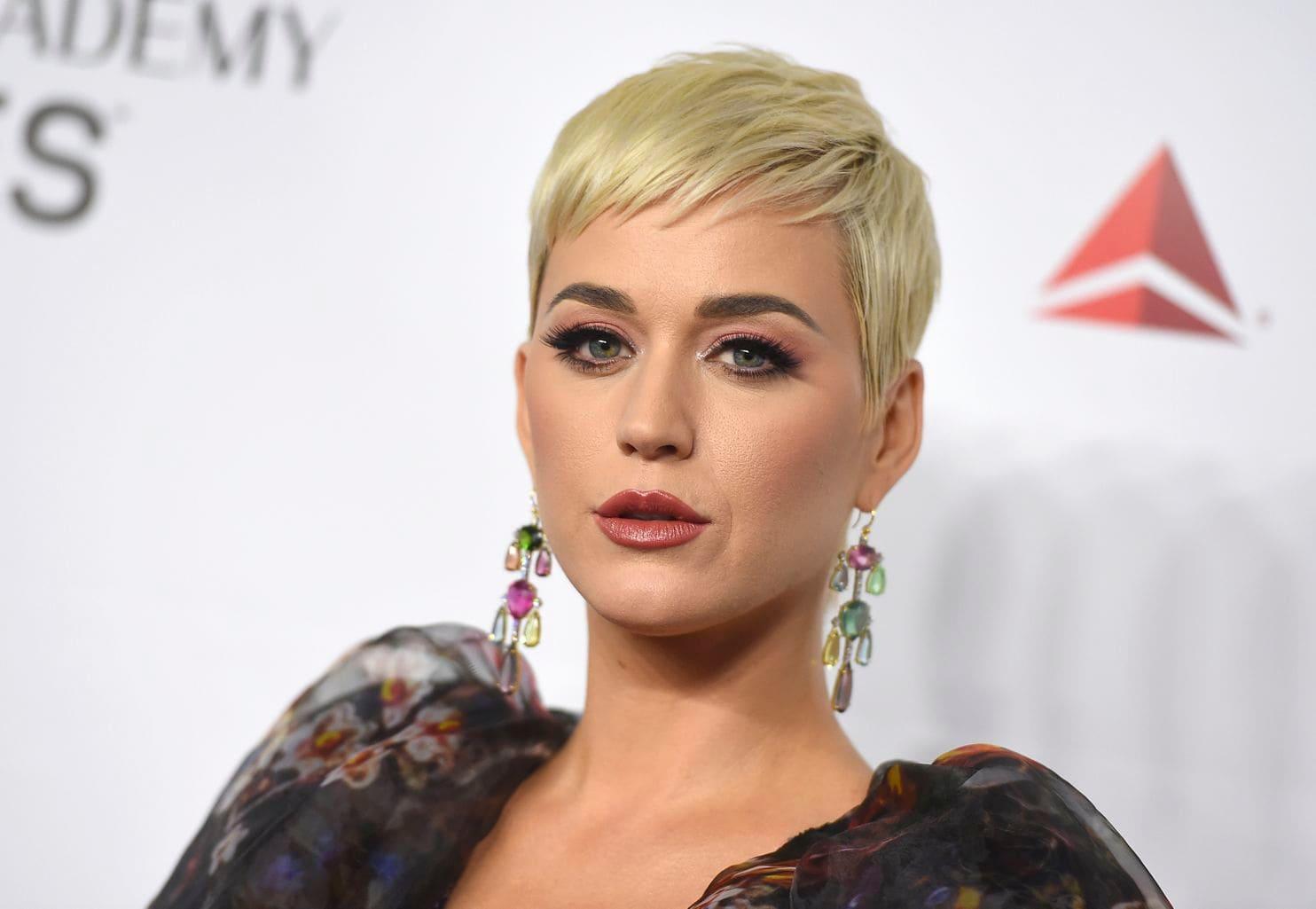 Katy Perry fête ses 37 ans, retour sur ses meilleures live