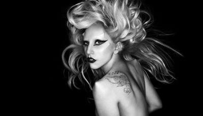 Lady Gaga invite une jeune fan sur scène pour chanter La Vie en Rose d'Edith Piaf